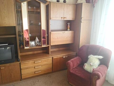 Сдам 1 комнатную на 70 лет Октября с мебелью и бытовой - Фото 2