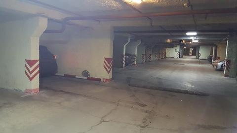 Продам машино-место в подземном паркинге - Фото 1