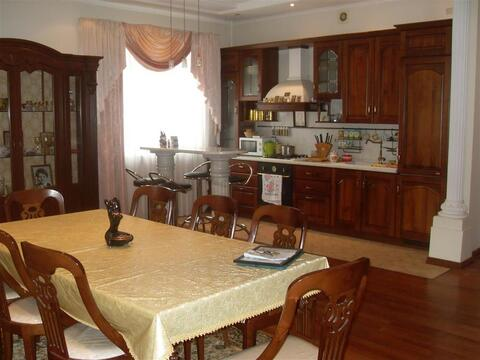 Улица Космонавтов 94б; 4-комнатная квартира стоимостью 50000 в месяц . - Фото 4