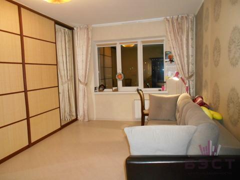 Квартира, ул. Пальмиро Тольятти, д.11 к.А, Купить квартиру в Екатеринбурге по недорогой цене, ID объекта - 325513538 - Фото 1
