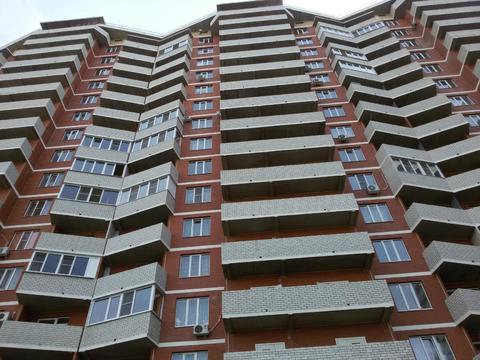 Новая 2-х комнатная квартира на две стороны в ЖК Народный., Купить квартиру в Краснодаре по недорогой цене, ID объекта - 314271818 - Фото 1