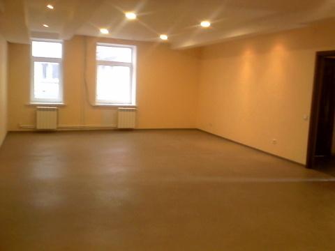 Торгово-офисное помещение, первый этаж с отдельным входом. 34,1 кв.м - Фото 1