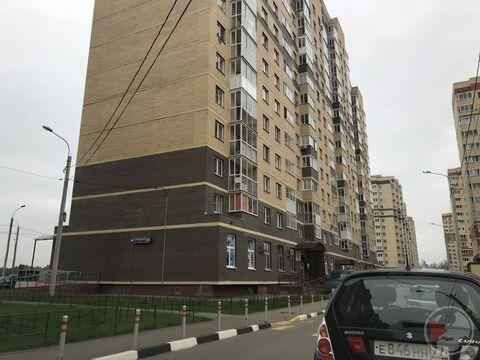 1-к квартира, 37.3 м, 7/16 эт, Свердловский, Строителей 18 - Фото 1