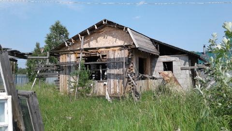 Участок с дачным домиком в черновой отделке в одном из лучших поселков - Фото 1