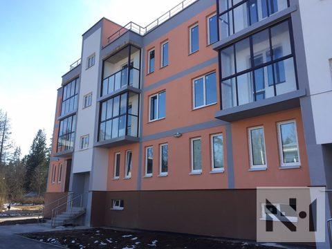 Продается большая 3-к. кв. в доме комфорт класса на берегу озера - Фото 1