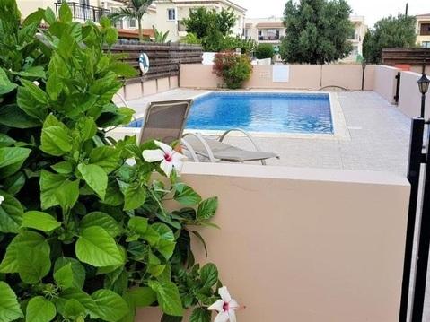 Прекрасный трехкомнатный Апартамент с террасой на крыше в Пафосе - Фото 3