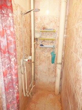 Комната 13 (кв.м) в 4-х комнатной квартире. Этаж: 3/5 кирпичного дома. - Фото 4