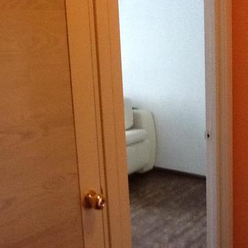 Сдаётся двухкомнатная квартира с качественным ремонтом в центре . - Фото 2