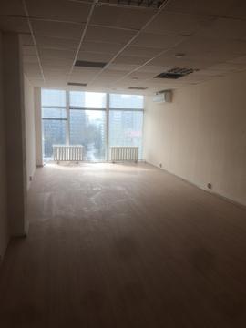 Офис 41 м2 в адм. здании - Фото 1