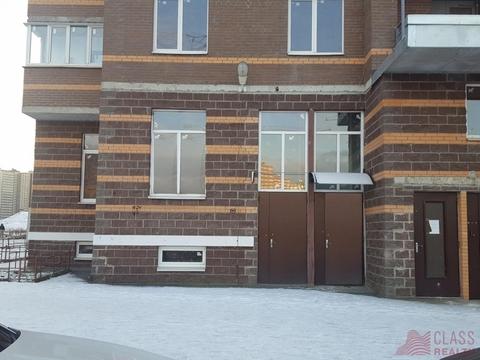 Сдам помещение универсальное. Мурино пос, Петровский бул. - Фото 1