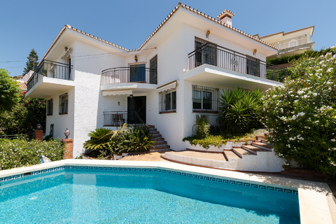 Продаю роскошную виллу в Испании - Фото 1