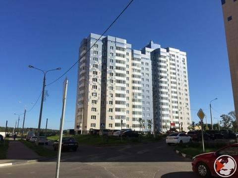 2-к квартира, 58 м, 15/16 эт, п. Свердловский, ул. Заречная, 10 - Фото 1