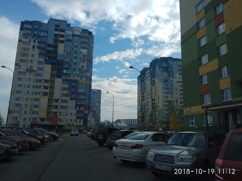 Продается 1 комн.квартира, ул. Волжская набережная, район 7 небо. 1/17э - Фото 1