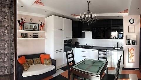 4 комн. квартира с ремонтом на ул.Грибоедова - Фото 1