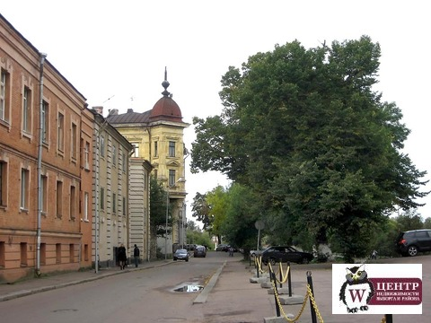 Сдам 3-комн. кв. 61.3 кв. м в исторической зоне средневекового Выборга - Фото 1