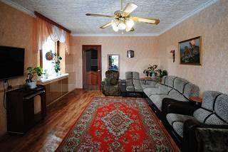 Изолированная часть кирпичного дома - Фото 1
