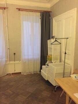 Предлагается комната в 5-комнатной квартире на 10 линии, д. 15 - Фото 2
