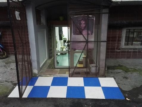 Действующая парикмахерская в жилом районе Ялты - Фото 2