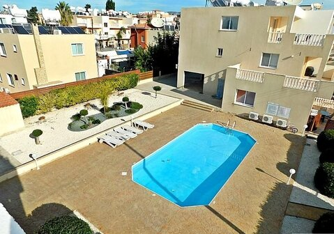 Прекрасный двухкомнатный Апартамент с большой верандой в Пафосе - Фото 3
