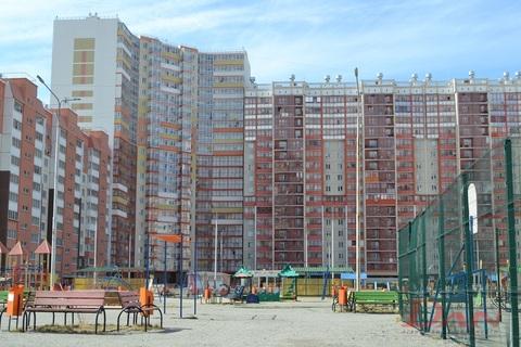 Квартиры, ул. Братьев Кашириных, д.131 - Фото 1