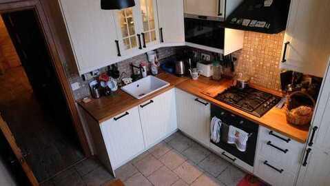 Продам двухкомнатную квартиру в сталинском доме. - Фото 1