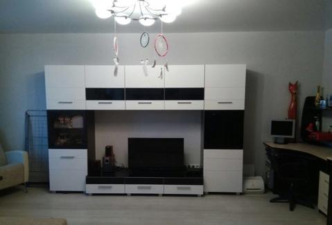 Сдается отличная квартира-студия в Лазурном (ул. Пугачева), Снять квартиру в Саратове, ID объекта - 320716179 - Фото 1