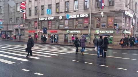 Московский пр. \ 1-я Красноармейская ул. Продажа торгового помещения.