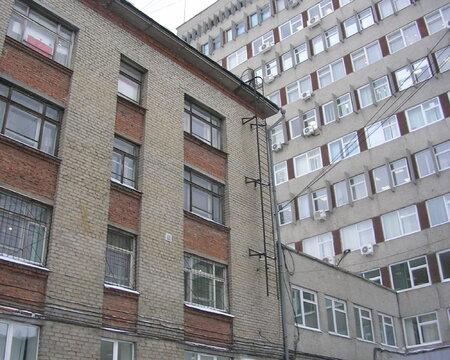 Отдельное здание в центре Екатеринбурга - Фото 1