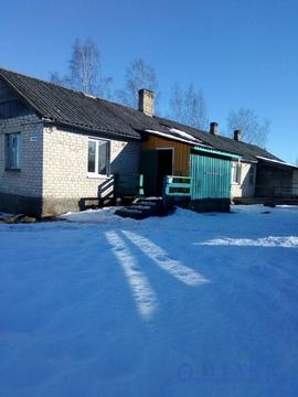 Продам 1/2 дома в жилой деревне - Фото 1