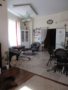Уютный новый дом с дизайнерским ремонтом для небольшой семьи - Фото 3