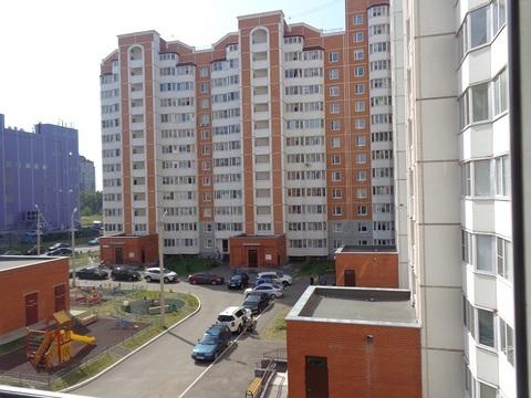 Продается трехкомнатная квартира в городе Чехов, на ул. Московская - Фото 1