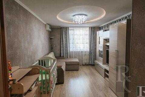 Продам замечательную трехкомнатную квартиру на ул. Меньшикова. - Фото 1