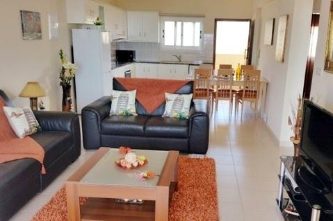 Просторный трехкомнатный апартамент с видом на море в районе Пафоса - Фото 5