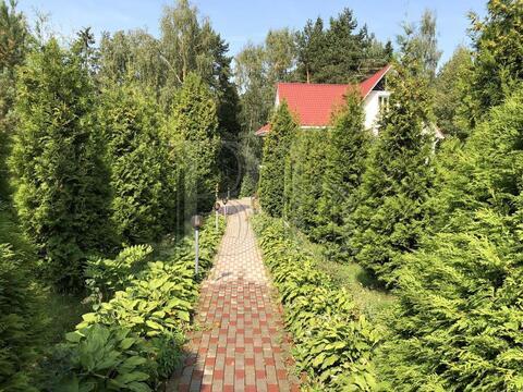 Уютный классический дом на сказочном участке, граничащем с лесом и . - Фото 3