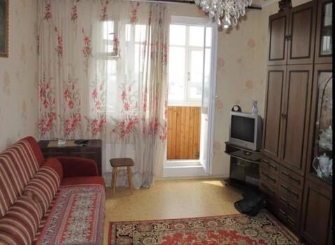 Сдаю комнату в двухкомнатной квартире. Есть вся необходимая мебель и ., Аренда комнат в Ярославле, ID объекта - 701064204 - Фото 1