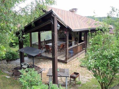 Дом необычной архитектуры на живописном участке в уютной деревне около . - Фото 4