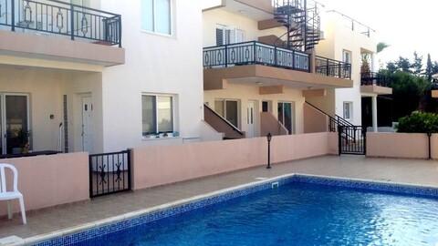 Отличный двухкомнатный апартамент недалеко от удобств и моря в Пафосе - Фото 1