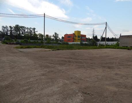 Двухэтажное панельное здание, 1005 кв.м и земельные участки 16 соток - Фото 1