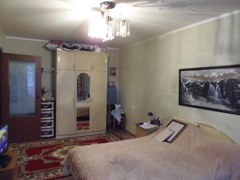 Купить квартиру с индивидуальным отоплением на ул. Есенина, Купить квартиру в Белгороде по недорогой цене, ID объекта - 328942818 - Фото 1