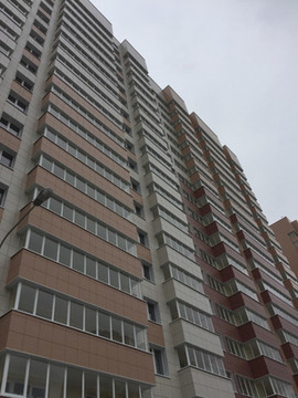 Продам двухкомнатную (2-комн.) квартиру, Айрата Арсланова ул, 6а, К. - Фото 1