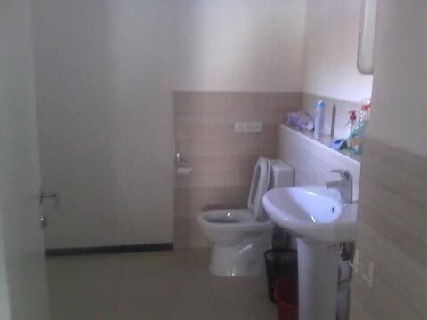 Офисное помещение с тремя входами на первом высоком этаже, 116 кв.м - Фото 3