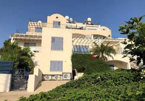 Шикарный трехкомнатный апартамент с панорамным видом на море в Пафосе - Фото 5