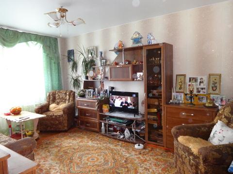 Продам комнату в трехкомнатной квартире - Фото 1