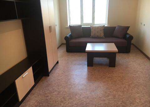 Аренда 2-комнатной квартиры в новом доме на ул. 60 лет октября - Фото 1