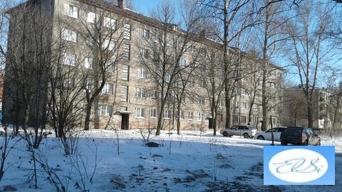 Продается комната, в горроще, ул. Островского д.32кор.2, напротив рынк