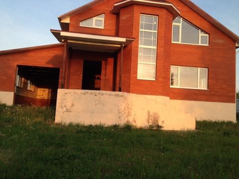 Продается двухэтажный кирпичный дом в д. Желудовка, р-н Детчино - Фото 1
