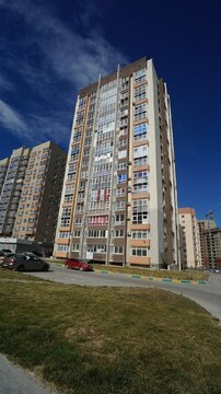 Купить видовую квартиру с ремонтом в ЖК Пикадилли, Ноовроссийск. - Фото 1