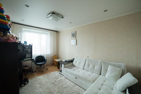 Трехкомнатная квартира с хорошим ремонтом в новом 17 этажном доме - Фото 1
