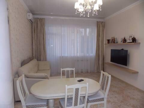 Продажа двухкомнатной квартиры на улице Бытха, 8г в Сочи, Купить квартиру в Сочи по недорогой цене, ID объекта - 320268935 - Фото 1