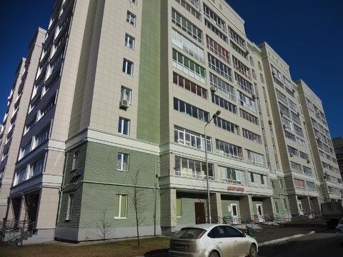2х комнатная улучшенка, ул. С. Батыева, 19 - Фото 1